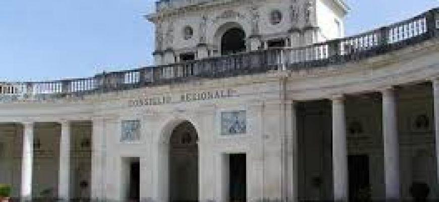 TERREMOTO 2009-CONSIGLIO REGIONALE CONSEGNA RICONOSCIMENTI