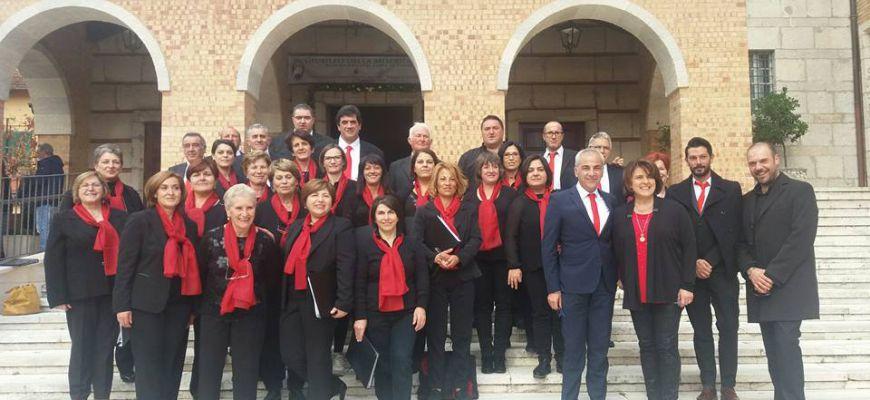Grande successo per la corale Corsi a Borgo San Pietro