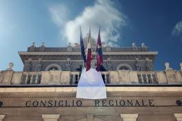DRAPPO BIANCO ALL'EMICICLO IN MEMORIA DELLA STRAGE DI CAPACI