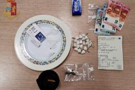 ARRESTATI DUE EXTRACOMUNITARI PER DROGA