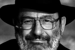 Addio ad Umberto Eco: un'eco di vita, però, risuona ancora