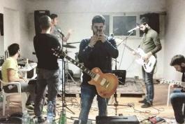 Dalla Marsica a Londra col sound dei Kasabian: rock trasaccano oltremanica