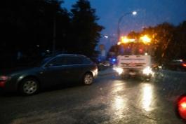 Brutto incidente stradale in località Pineta: scontro fra due auto, pattuglia sul posto