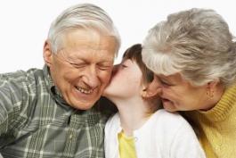 A Villa Alba di Canistro nonni insegnano ai bambini