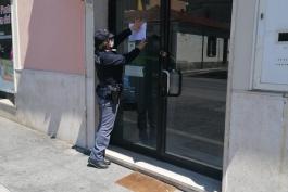 POLIZIA DI STATO:  CHIUSURA DI UN NEGOZIO DI GENERI ALIMENTARI.