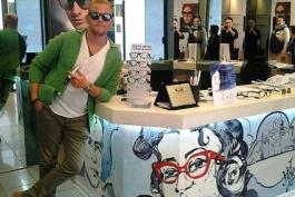 Trame d'argento e flash al sapor di spray a Pescara: l'urban style fa tendenza agli angoli delle vie