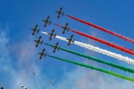 Le Frecce Tricolori sul cielo dell'Aquila